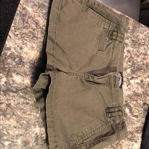 Green express shorts